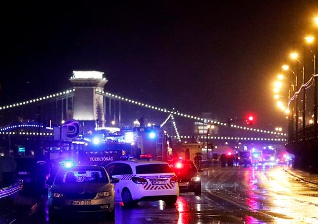 В центре Будапешта затонуло прогулочное судно с туристами: есть погибшие