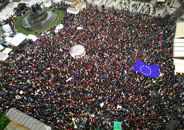 В Праге тысячи человек вышли на митинг против нового министра юстиции