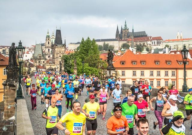 Воскресный марафон ограничит движение транспорта в Праге
