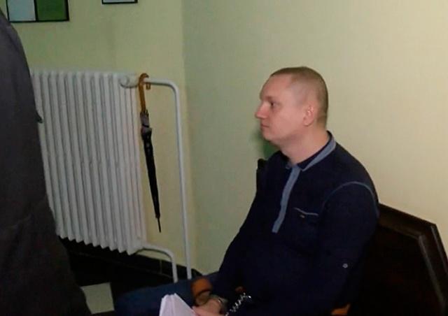 Сбежавший на родину россиянин предложил пражскому суду компенсацию