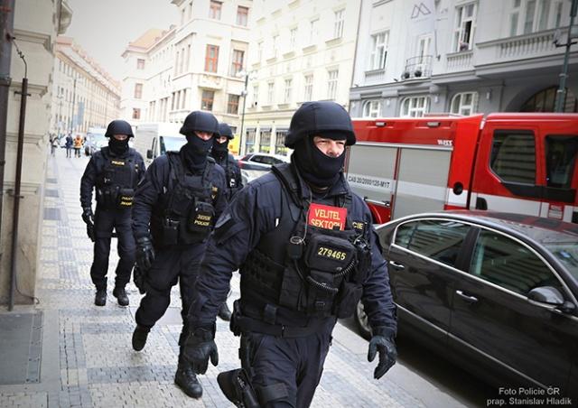 Жителей Праги предупредили об антитеррористических учениях