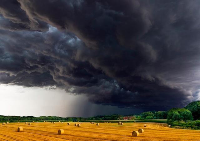 Штормовое предупреждение объявлено в Чехии