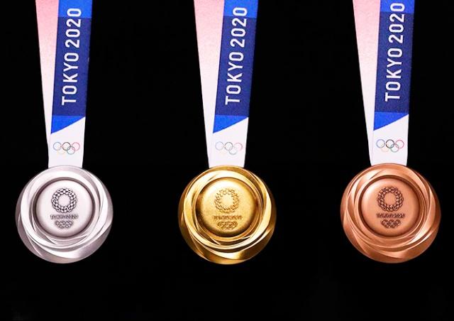 В Токио показали медали будущей Олимпиады. Их изготовят из переработанной электроники