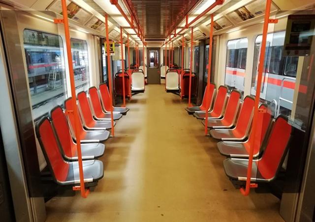 В пражском метро тестируют новые пластиковые сиденья