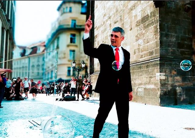 Прага решила привлечь иностранных предпринимателей рекламным роликом