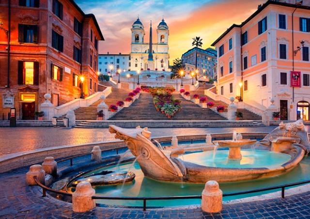 Власти Рима запретили туристам сидеть на Испанской лестнице