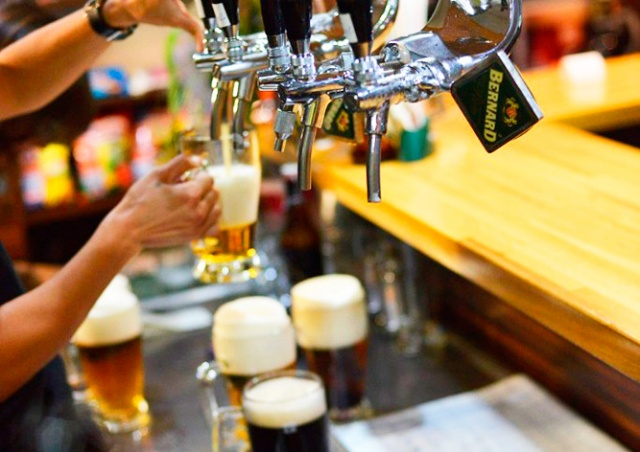 Рестораны по всей Чехии предложат разливное пиво за 15 крон