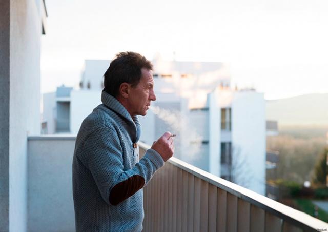 В России запретили курение на балконах
