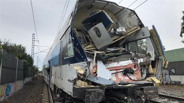 В Праге сошел с рельсов поезд, восемь раненых