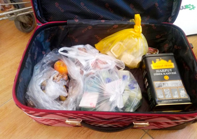 «Все включено»: россияне пытались вывезти чемодан еды из турецкого отеля
