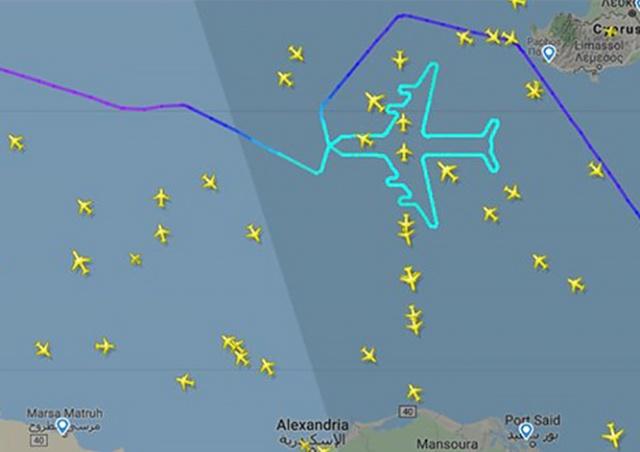 Пилоты пассажирского «Боинга» нарисовали в воздухе силуэт самолета