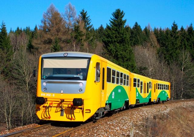 В Чехии поезд остановился посреди леса. Закончилось горючее