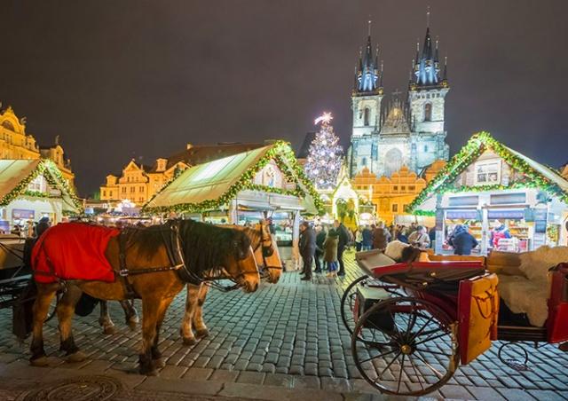 На рождественской ярмарке в центре Праги будут продаваться устрицы и креветки
