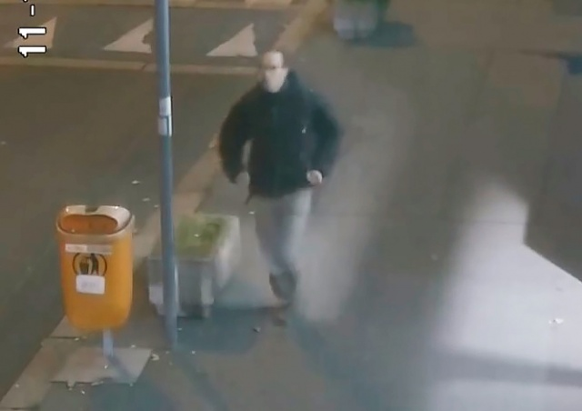 В Праге неизвестный мужчина ударил ребенка в лицо