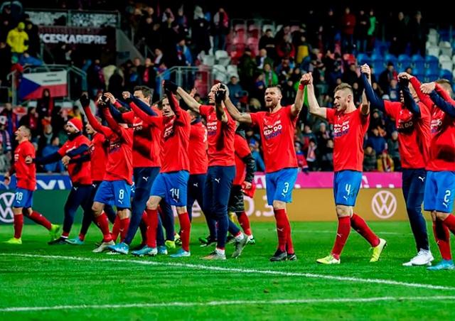 Чехия пробилась на чемпионат Европы по футболу