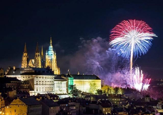 Новогодний фейерверк в Праге все-таки состоится