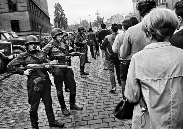 Россия прокомментировала создание Дня памяти жертв советской оккупации в Чехии