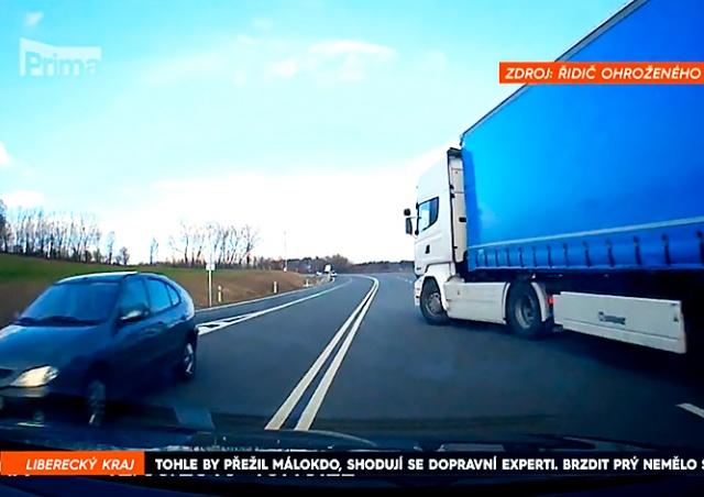 Польский водитель фуры избежал тюрьмы за безумный маневр в Чехии: видео