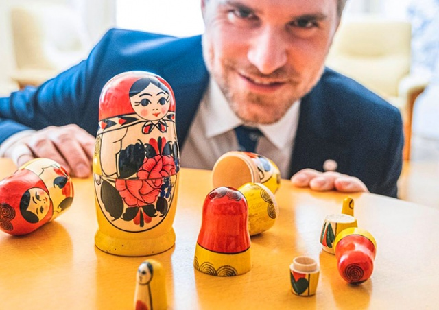 Прага запретила арендаторам продавать матрешки, ушанки и другие «безвкусные сувениры»