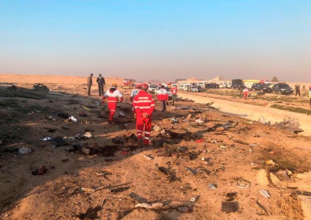 Украинский пассажирский самолет разбился в Тегеране: 176 погибших