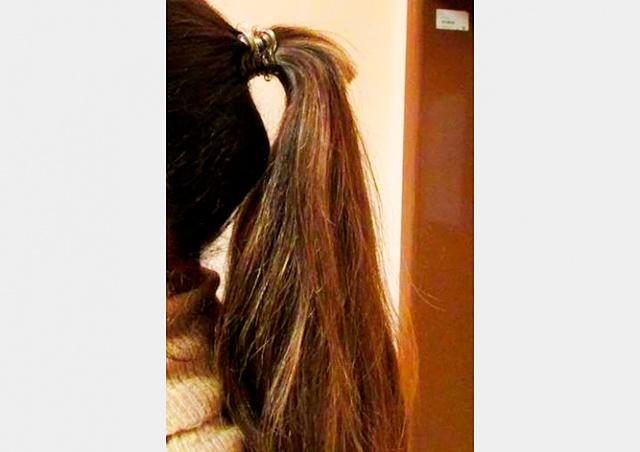 В Праге появился маньяк, который отрезает женщинам волосы в трамваях