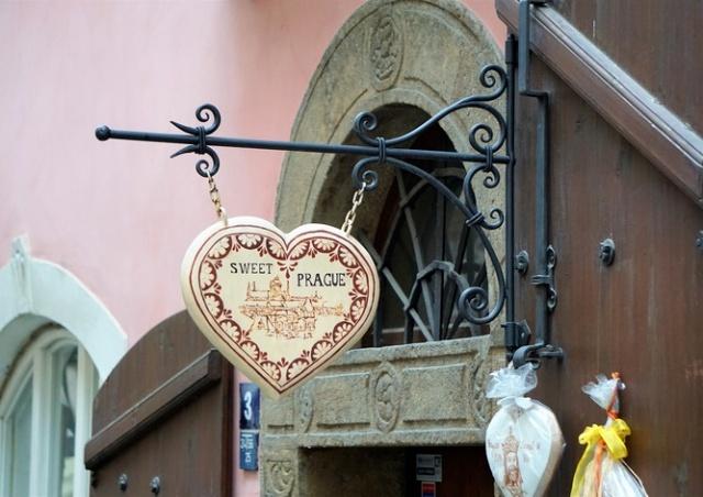 Из-за коронавируса число китайских туристов резко снизилось, продавцы в Праге страдают