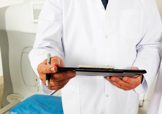 Сенат Чехии не разрешил врачам из третьих стран временно работать без экзаменов