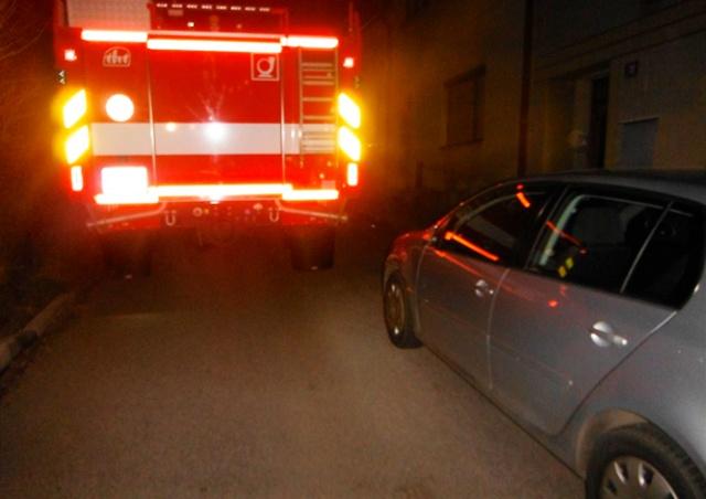 В Чехии пожарные поцарапали припаркованные авто. Теперь их владельцам грозит штраф