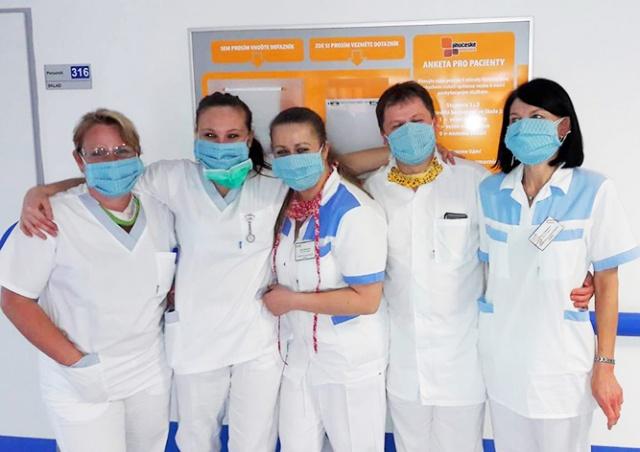 В Чехии 37 сотрудников больницы оказались в карантине из-за вранья пациенток