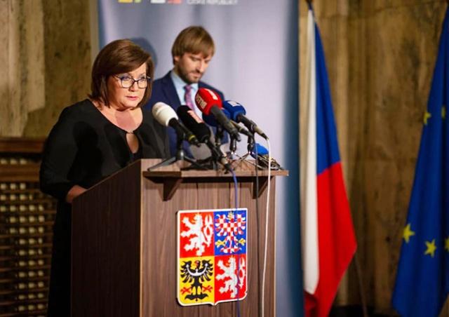 Важно: Чехия отменяет занятия во всех школах и вузах. Запрещены массовые мероприятия