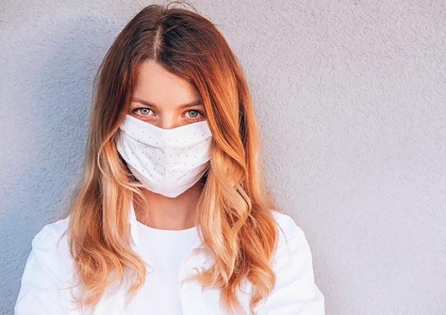 Минздрав Чехии разъяснил обязанность ношения масок в помещениях