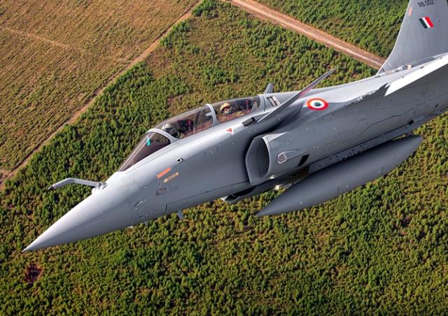 Французу подарили полет на истребителе. Он запаниковал и катапультировался