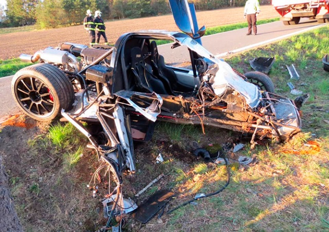 Житель Чехии разбил спорткар за 4,5 млн крон
