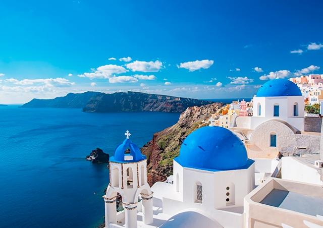 Греция начнет требовать у туристов из Чехии отрицательный тест на COVID-19