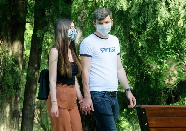 Со среды в Чехии расширят масочный режим