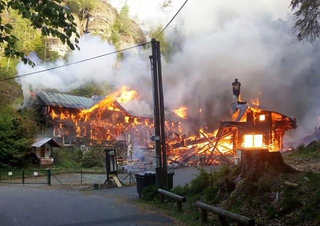 В «Чешской Швейцарии» сгорели два исторических дома