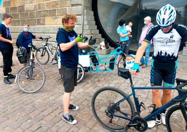 Прага предложила горожанам бесплатно обслужить их велосипеды