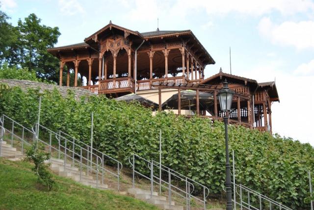 В пражском парке «Гребовка» завершилась реконструкция винной беседки