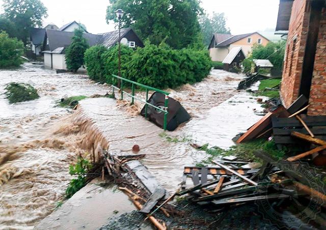 Синоптики продлили предупреждение о сильных грозах и ливнях в Чехии