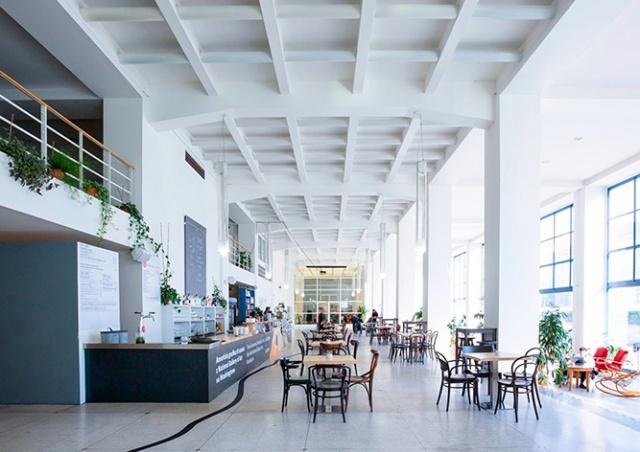 Café Jedna в пражском Дворце выставок не пережило кризис