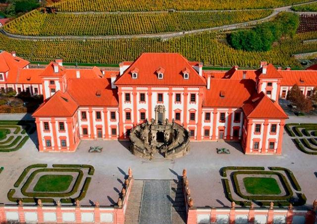 Экскурсия в замок Троя с Ириной Косоверовой
