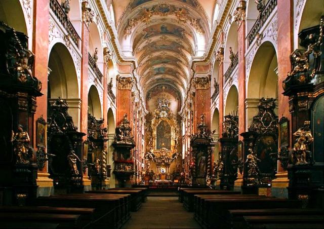 Экскурсия по храму святого Якова Большого и в сакральные места монастыря миноритов с Любовью Полевой