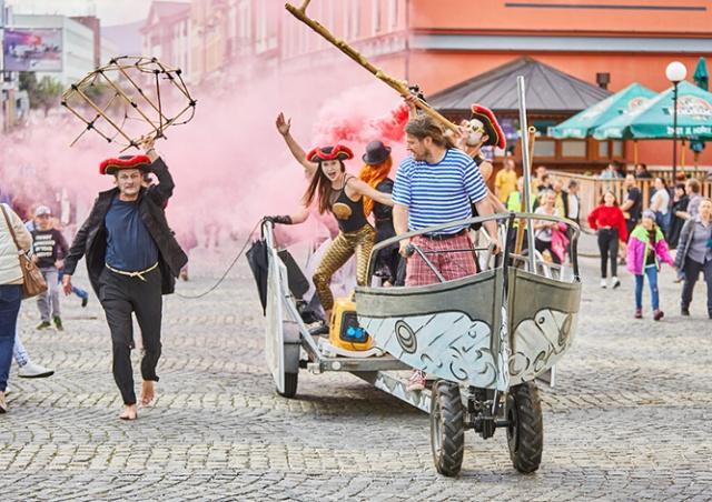 В среду в Праге стартует международный фестиваль уличного театра