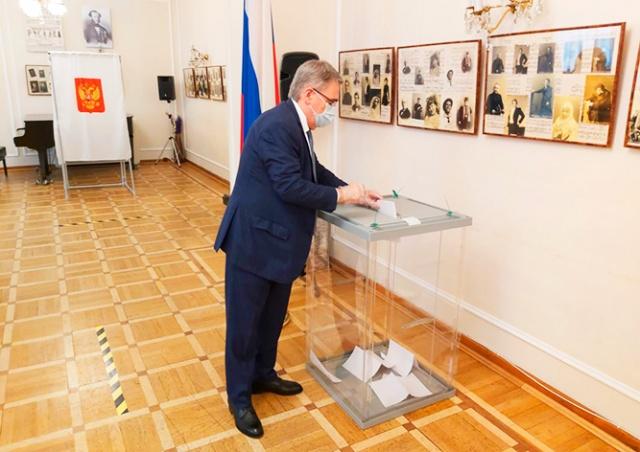 Как россияне в Чехии проголосовали по поправкам в Конституцию РФ: результаты