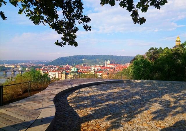 В Праге завершилась реконструкция одной из красивейших смотровых площадок