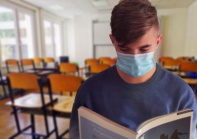 Суточный прирост инфицированных в Чехии вновь обновил рекорд