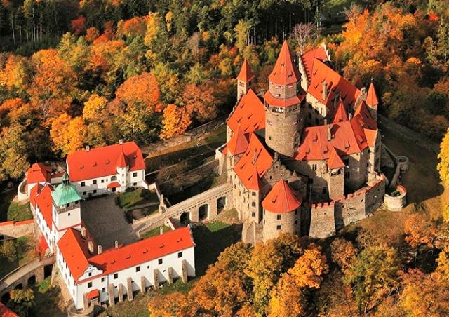 Замок Боузов + пещера бланицких рыцарей: едем 12 сентября
