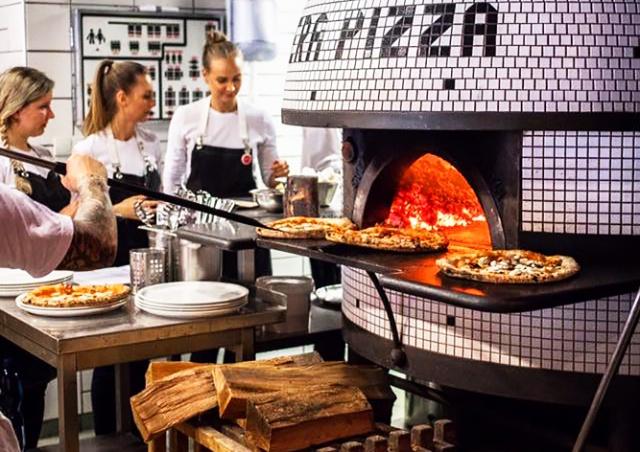 Пражская пиццерия вошла в число лучших за пределами Италии