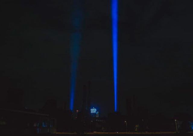 В Праге закрытые культурные объекты осветят небо прожекторами
