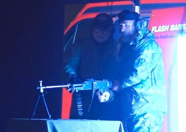 Ночью в центре Праги звучали выстрелы. Работали киношники: видео